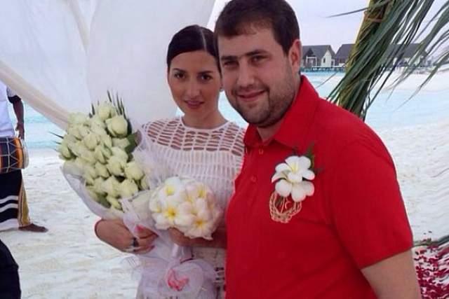 Жасмин, с которой Шор поженился в 2011 году, перебралась в Молдавию, чтобы быть ближе к возлюбленному.