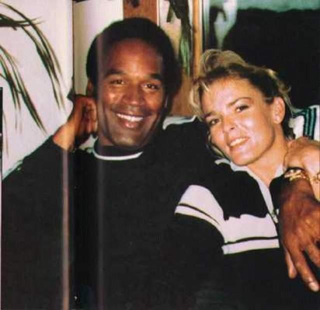 """Знаменитый игрок в американский футбол Орентал Джеймс Симпсон, более известный миру как """"О.Джей Симпсон"""", стал одним из тех, чье имя упоминается в качестве имени нарицательного в контекста связки """"спорт и криминал""""."""