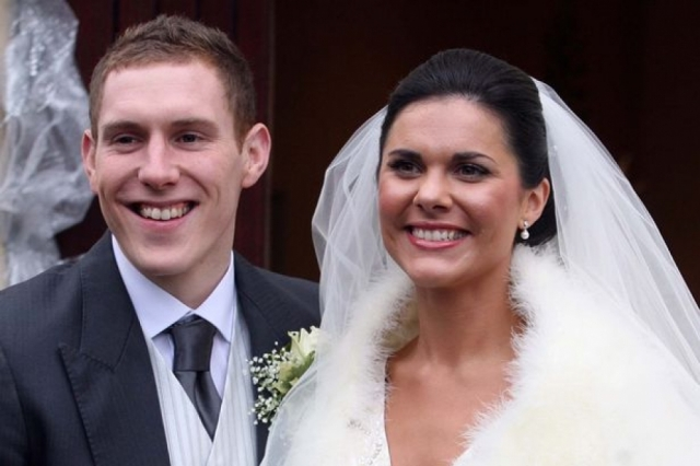 Микаэла МакАриви (28 лет). В январе 2011 года королева красоты Ирландии отправилась в свадебное путешествие на Маврикий.
