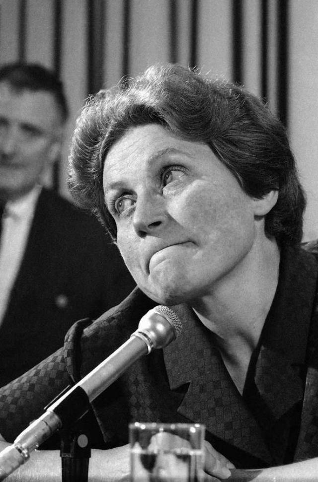 В ноябре 1986 года ей было разрешено вернуться в США. В сентябре 1992 года корреспонденты нашли ее в доме для престарелых в Великобритании. Затем она некоторое время жила в монастыре св. Иоанна в Швейцарии.