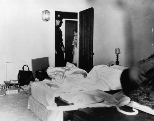 Монро не оставила никаких предсмертных записок. Тело было принято в морге для вскрытия, которое было выполнено патологоанатомом доктором Цунэтоми Ногути, после чего было объявлено, что Мэрилин Монро умерла от передозировки снотворного.