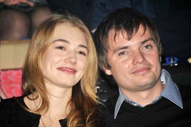 Затем вышла замуж за кинопродюсера Дмитрия Литвинова, у них родился сын Филлип.