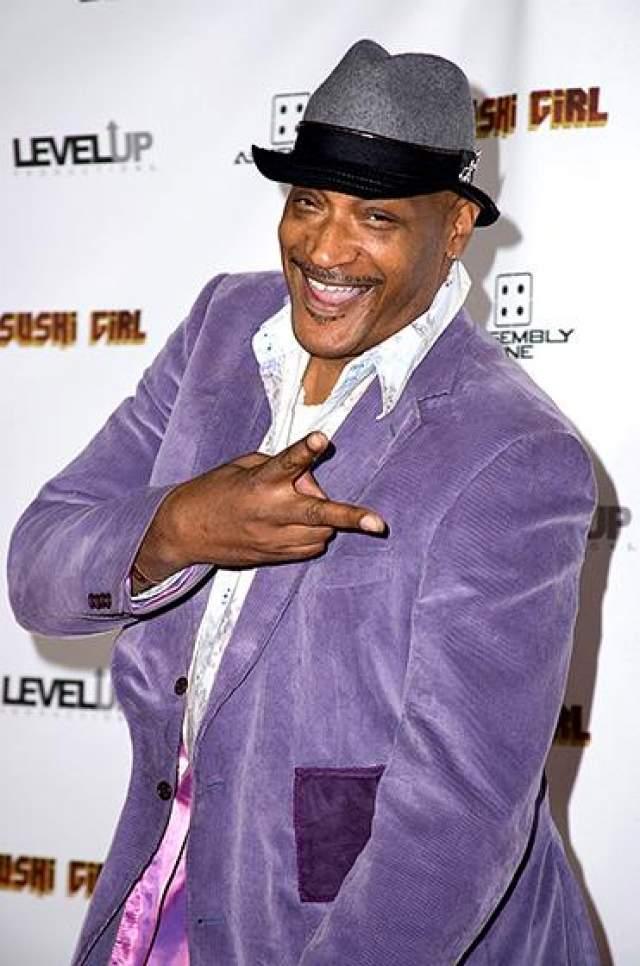 """Тони продолжил свою карьеру актера и продюсера, вернувшись в 2011 году к роли Уильяма Бладуорта в пятой части """"Пункта назначения""""."""