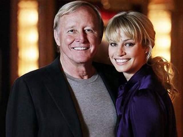 """Кристи Хинз и Джеймс Кларк. Австралийская модель в 2009 году вышла замуж за 65-летнего миллиардера, основателя корпорации Netscape Communications, за что была получила звание """"самого продажного ангела Victoria`s Secret""""."""
