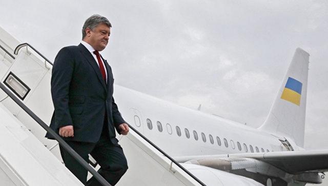 Юмористическая изюминка сопровождала Порошенко и во время его визита в США, когда несмотря на то, что украинская сторона заранее предупреждала Белый Дом о прибытии в страну делегации из Украины во главе с президентом Петром Порошенко, в аэропорту Далласа ее никто не встречал.
