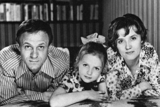 Пригласить на роль Кати свою жену режиссер Владимир Меньшов решил только после отказа двух других кандидаток.