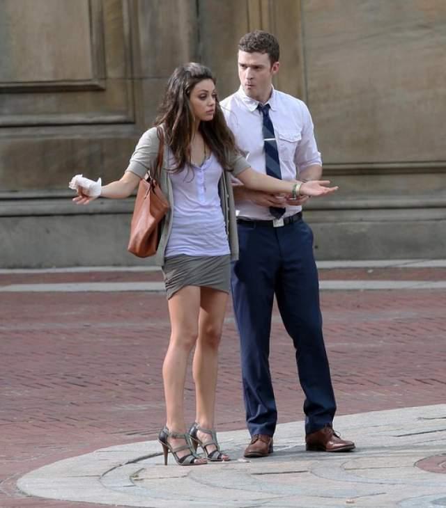 """Официальные представители знаменитостей отрицали подлинность фотоснимков, а Тимберлейк лично опроверг слухи о романе с коллегой по фильму """"Секс по дружбе""""."""