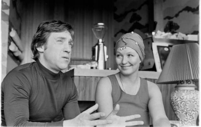 Марина стала третьей женой артиста и была с ним до его смерти в 1980 году.