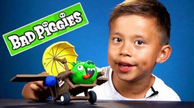 Эван, EvanTube Эвану было 8 лет, когда он с папиной помощью создал на YouTube свой собственный канал EvanTube. Сегодня канал приносит владельцу $1,3 млн в год. Он обозревает игрушки, рассуждает о сверстниках и может не беспокоиться о лояльности аудитории, которая растет вместе с ним.
