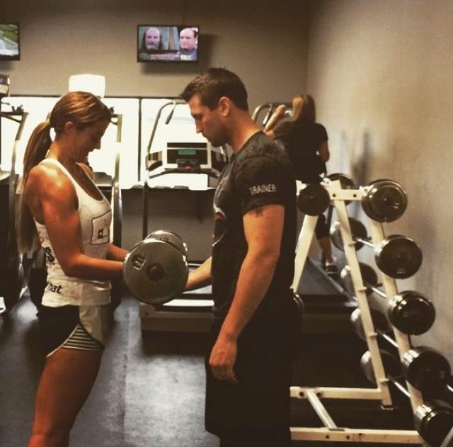 Коннер удается поддерживать вес благодаря сбалансированной диете и регулярным физическим тренировкам.