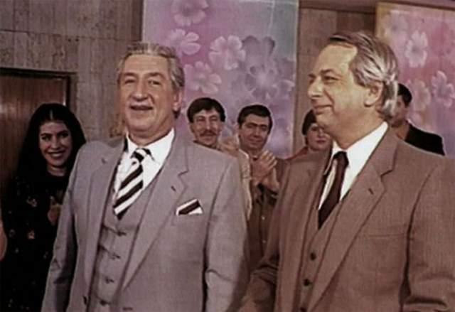 Дуэт просуществовал 11 лет и в 1982 году распался. Каждому из актеров хотелось успеть сделать что-то еще, выходящее за рамки образов смешных старух. Борис Владимиров снимался в кино, озвучивал мультфильмы.