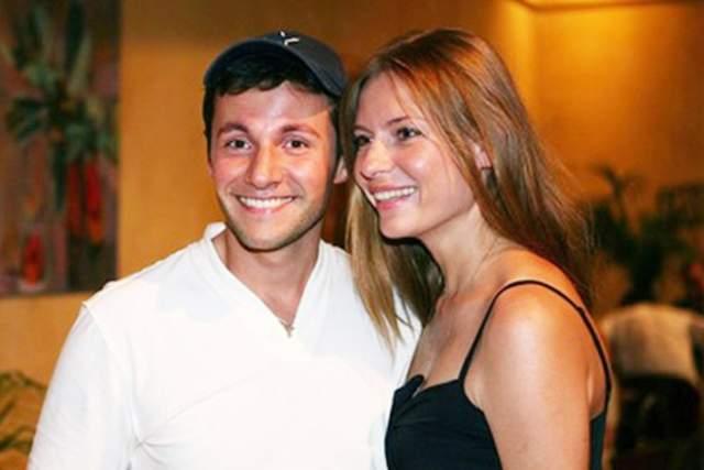 В 2001 году у Толкалиной и Кончаловского появилась дочь Маша. Зимой 2010-го все заговорили о расставании Егора и Любви. Летом 2010-го актриса появилась в свете с артистом Вячеславом Манучаровым.