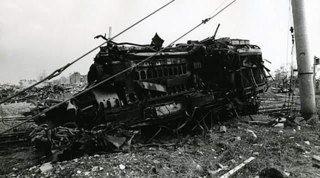 Утром 1988 года машинист Юрий Миканович выполнял привычный рабочий рейс, он перегонял товарный состав в Горький (сейчас Нижний Новгород), а потом приехали на станцию Омскую на новым поездом. В нем была взрывчатка, произведенная на заводе имени Свердлова в Дзержинске.