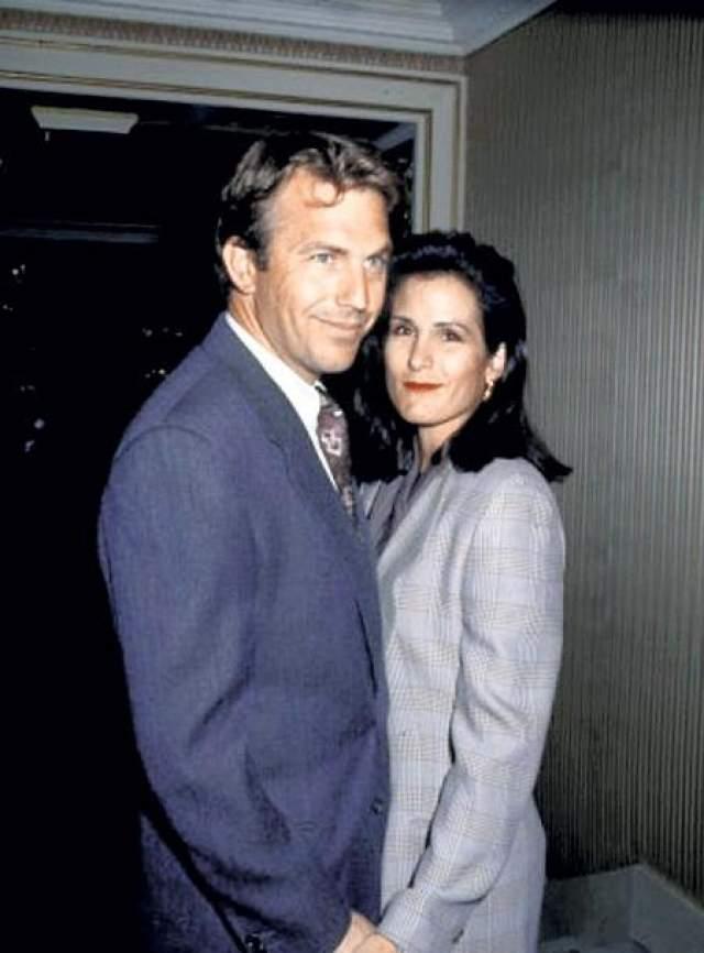 Однако в один момент, по воспоминаниям Синтии, супруг изменился до неузнаваемости: стал пропадать и заводить знакомства с женщинами на стороне. Превращение верного мужа в ловеласа привело в 1992 году к разводу, который обошелся Костнеру в 80 миллионов.