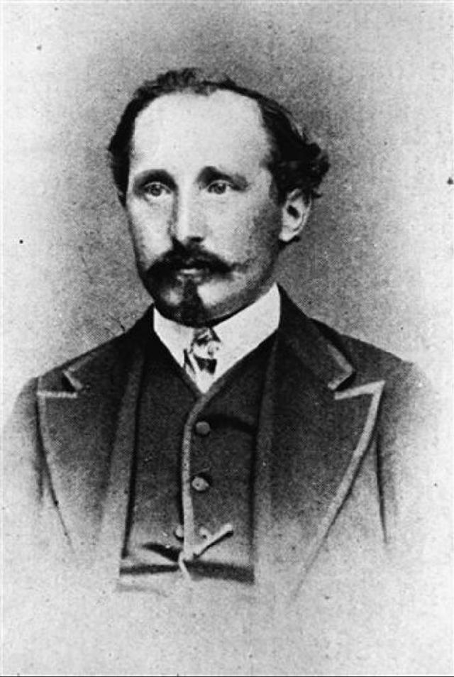 Opel. Компания была основана 21 января 1863 года Адамом Опелем. Любопытно, что сначала известный производитель автомобилей выпускал швейные машины. И так бы и продолжал выпускать, но...