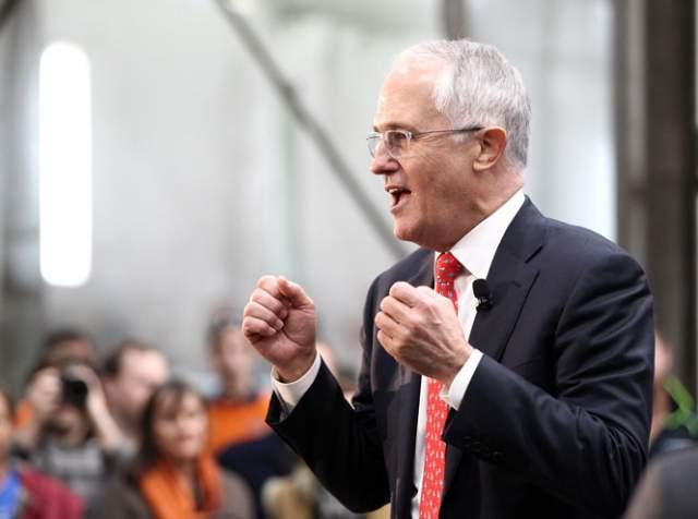 """Малкольм Тернбулл, премьер-министр Австралии (63 года). В 2012 году политик сбросил 14 кг, начав следить за своим питанием. Премьер также ввел """"разумное ограничение объемов потребляемой пищи"""", как признался он сам. Также австралийский политик ввел в рацион отвар из китайских трав, что помогает поддерживать общий тонус организма."""