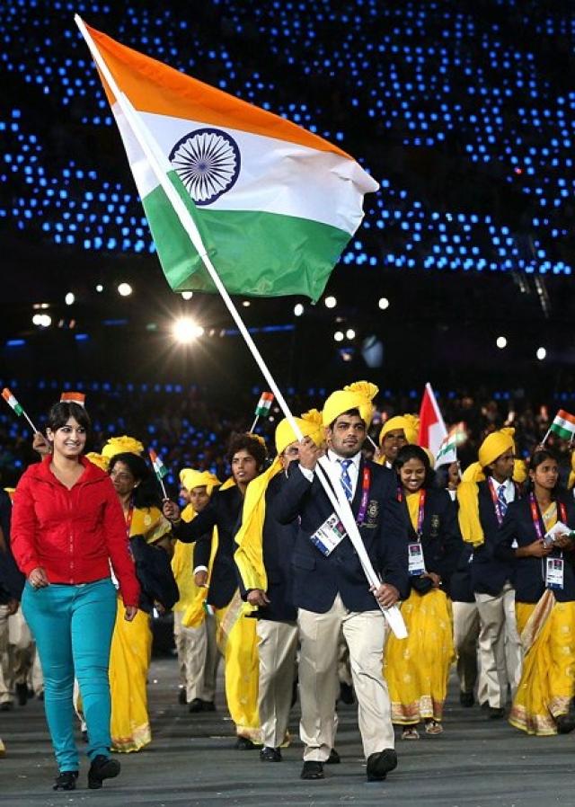 К счастью, это оказалась не террористка, а мирная студентка по имени Мадхура Нагиндра Хонди, которая приехала учиться в Великобританию из Индии.