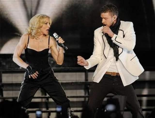 """Альбом 2008 года """"Hard Candy"""" был записан с помощью таких звезд, как Джастин Тимберлейк и Фаррел Уильямс."""