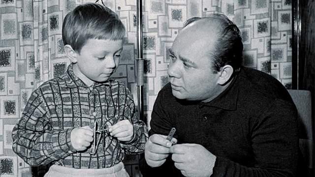 Евгений Леонов с сыном Андреем.
