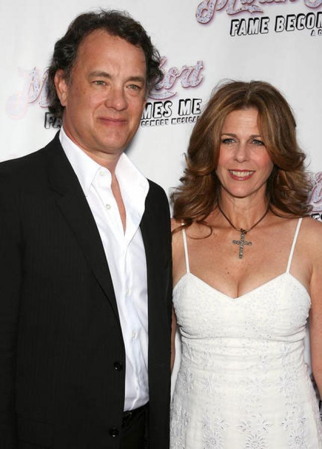 """Рита Уилсон. 60-летняя актриса, звезда сериала """"Девочки"""" и жена Тома Хэнкса, перенесла двустороннюю мастэктомию и реконструкцию груди в апреле 2015 года, когда у нее обнаруживали инвазивный дольковый рак молочной железы."""