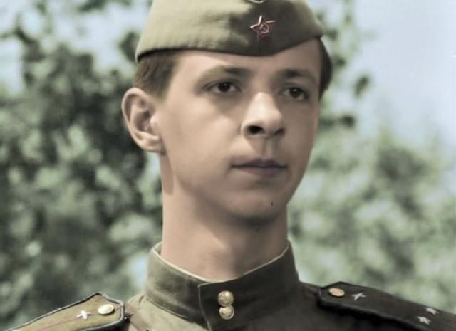 Из огня Бурдученко вынес актер Сергей Иванов, который, будучи в то время еще никому неведомым статистом, снимался в фильме в массовке.