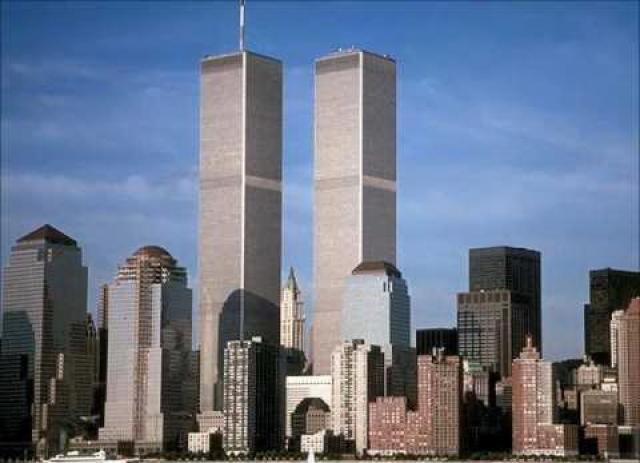 11. И наконец, когда мы представляем в своем воображении башни-близнецы, они нам больше всего напоминают гигантское число 11.