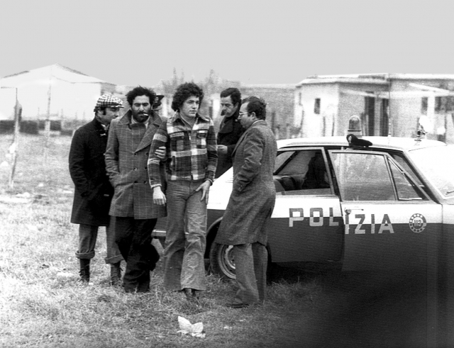 В преступлении участвовали сразу четыре убийцы, а не один Пелози. По данным журнала Oggi, помимо Пелози в убийстве Пазолини принимали участие еще два подростка, братья-неофашисты Франко и Джузеппе Борселино. Личность четвертого злоумышленника не установлена.