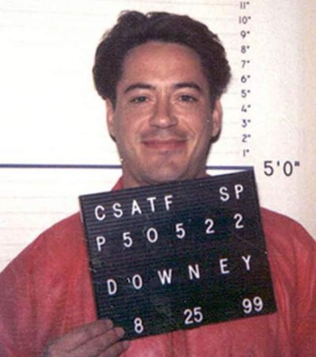 """Вылечившись от наркозависимости, Дауни снялся в таких блокбастерах, как """"Железный человек"""", """"Шерлок Холмс"""" и """"Солдаты неудачи""""."""