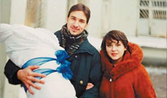 Кроме этого, у Антипенко есть старший сын Александр от первой супруги актера, Елены.