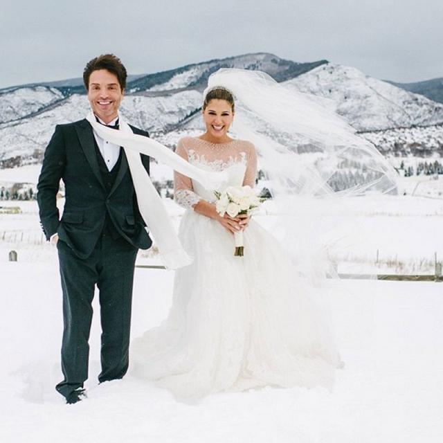 Ведущая MTV Дэйзи Фуэнтес вышла замуж за певца Ричарда Маркса 23 декабря.