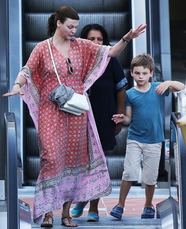 Линда Евангелиста. Сын модели Августин Джемс был центром скандала по поводу родительских прав между Евангелистой и французским миллиардером Франсуа-Анри Пино, который разрешился в 2012 году.