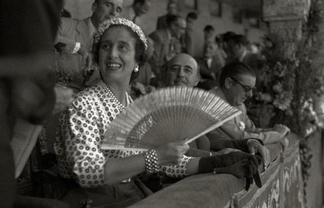 Кармен Поло. Супруга испанского диктатора Франсиско Франко Кармен Поло в период его правления играла важную роль в общественно-политической жизни страны. Именно с ее подачи ввели жесткую цензуру. Кармен Поло была очень консервативна, религиозна и высокомерна.