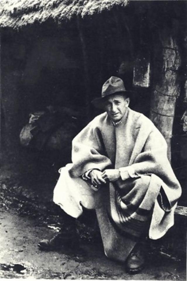 В 1952 году Эйхман приехал в Европу, женился под новым именем на собственной жене и вывез ее и свою семью в Аргентину. До мая 1960 года он жил в Буэнос-Айресе.