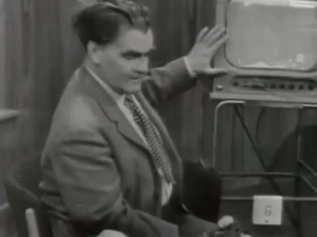 Спикер - эксперт Кьелл Стенссон - всерьез рассказал о новейшей технологии, основанной на нейлоновых чулках. Он пояснил, что этот чулок нужно надеть на телевизор, световые волны будут преломляться через мелкоячеистую сетку и проявится цвет - нужно лишь сесть на углу от экрана и двигать головой осторожно назад и вперед.