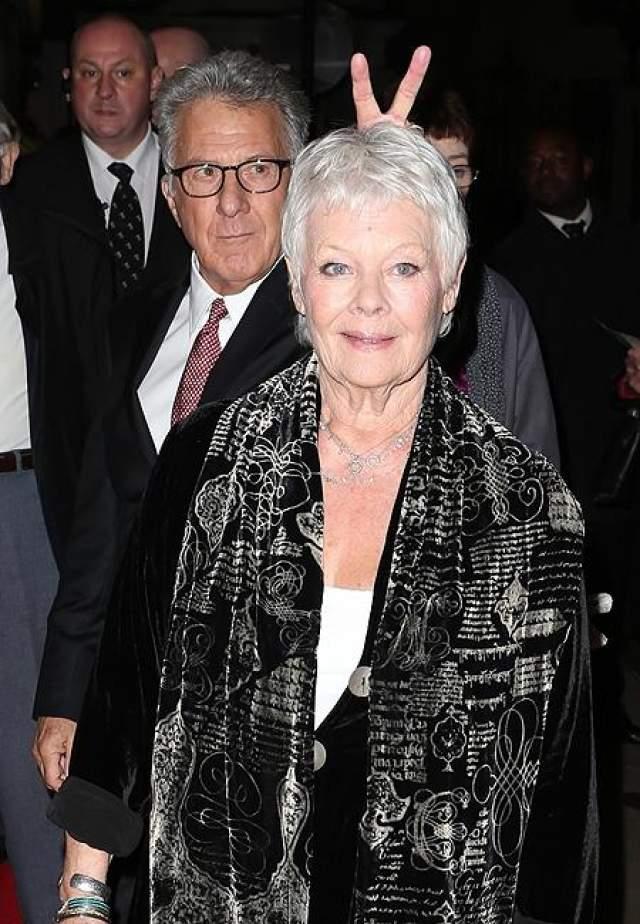 Дастин Хоффман считает, что рожки Джуди Денч будут очень даже к лицу.