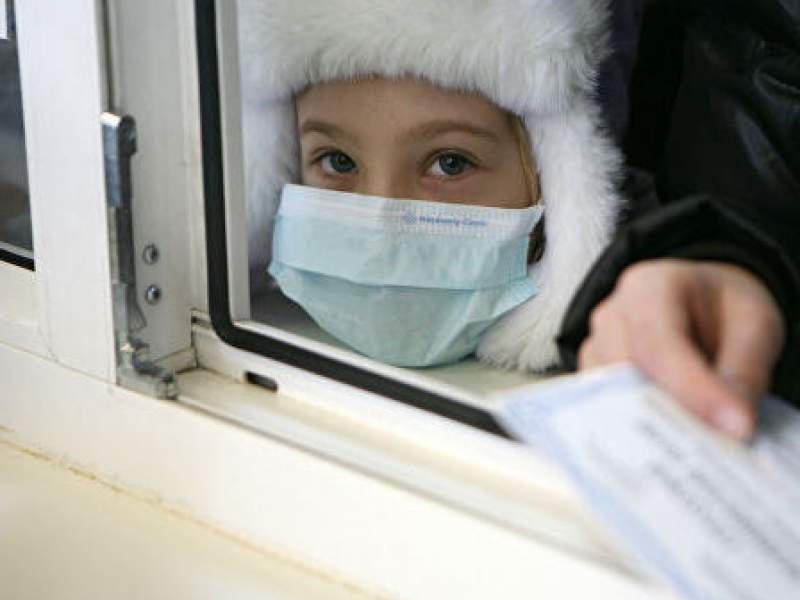 Новости дня: На Урале из-за коронавируса принудительно госпитализированы двое детей