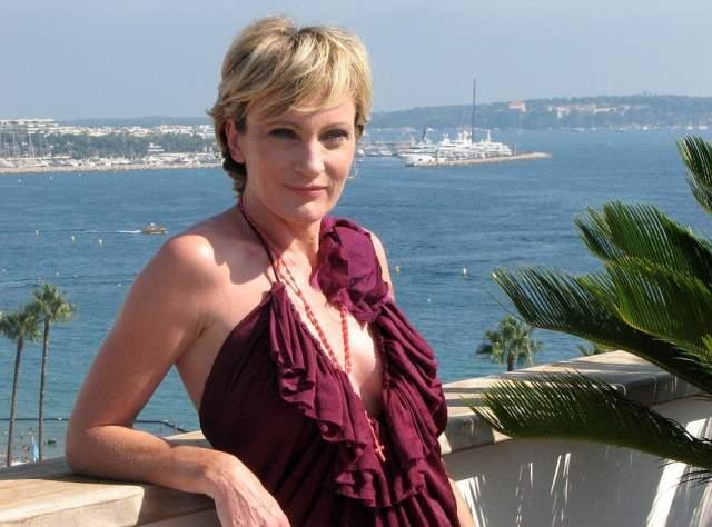 Патрисия Каас. 51 год. Было много романов, включая отношения с Аленом Делоном, но серьезных, по сути, не было.