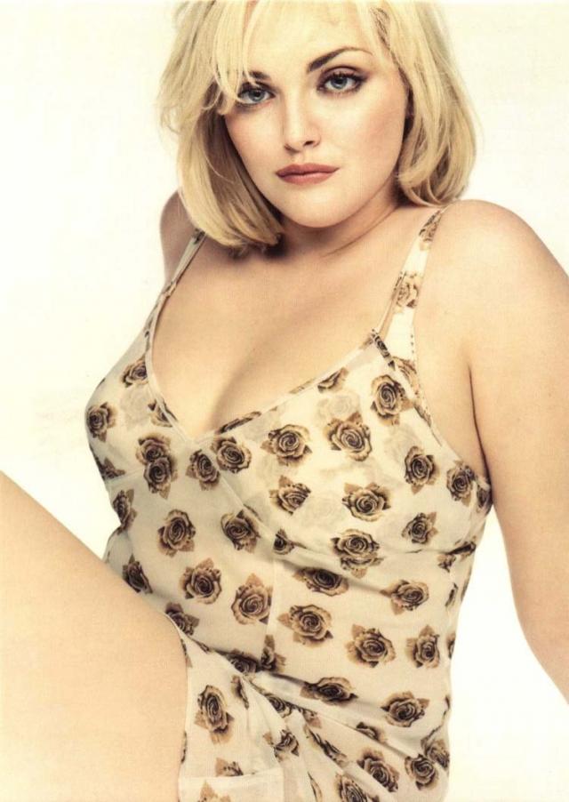 Софи Даль. Девушка - первая и самая известная из plus size моделей, в последствии ставшая писательницей.