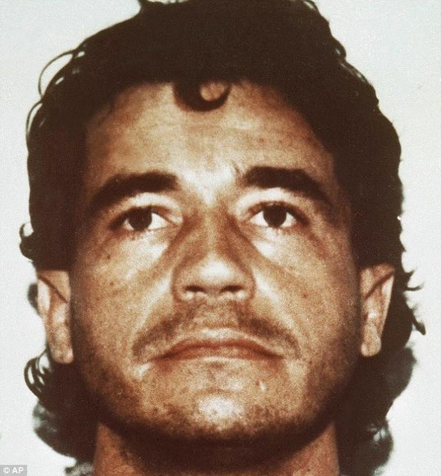 Карлос Ледер. Преступник смог построить головокружительную карьеру от никому не известного угонщика машин до одного из основателя Медельинского картеля.