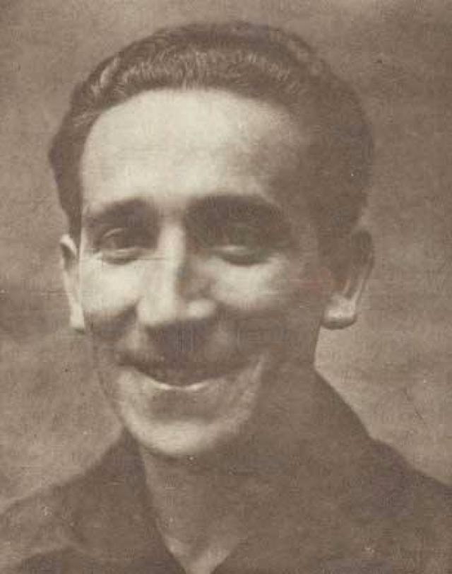 Давид Арельяно (футболист, 24 года). В 1921 году Арельяно ставят на позицию левого вингера, на которой он играет до конца карьеры. 25 октября 1924 года Арельяно дебютирует в сборной Чили в матче Кубка Америки против Аргентины.