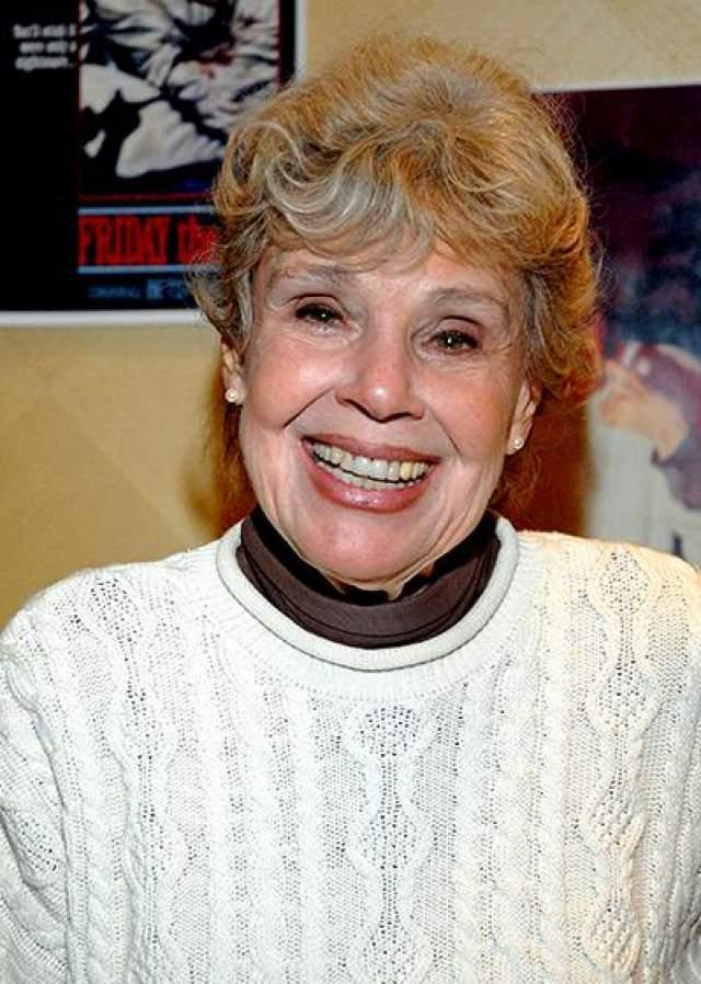 """В 2003 году Палмер предложили вновь сыграть миссис Вурхиз в фильме """"Фредди против Джейсона"""", но на этот раз актриса отказалась из-за маленького гонорара. В дальнейшие годы Бетси Палмер продолжала сниматься на телевидении, где у нее были роли в телесериалах """"Она написала убийство"""", """"Тихая пристань"""" и """"Чарльз в ответе"""". Актриса переодически появлялась на большом экране и играла на театральной сцене."""