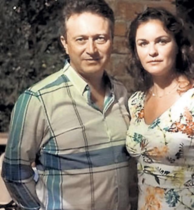 В итоге в 42 года Елена умерла от алкоголизма в полном одиночестве в Израиле, где жила последние несколько лет. Незадолго до трагедии Елена развелась со вторым мужем, а все попытки связаться с дочерью остались без результата.