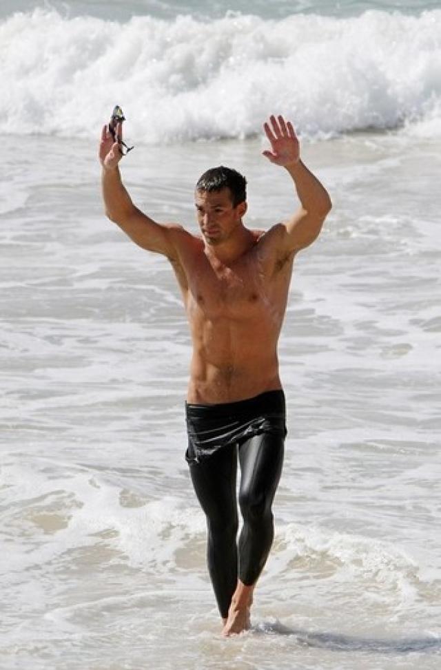 Спустя год на соревнованиях в ОАЭ Криппена не обнаружили на финише вместе со всеми пловцами.