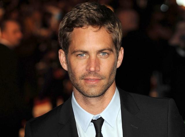 """Пол Уокер. Актер, наиболее известный своими ролями в серии фильмов """"Форсаж"""", согласно официальным данным разбился в автокатастрофе 30 ноября 2013 года."""