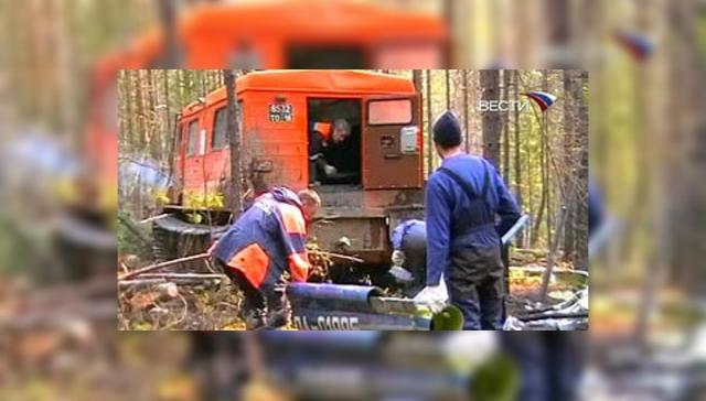 Летательный аппарат потерпел крушение во время попытки поднять на вертолет лебедкой крупную тушу убитого медведя.