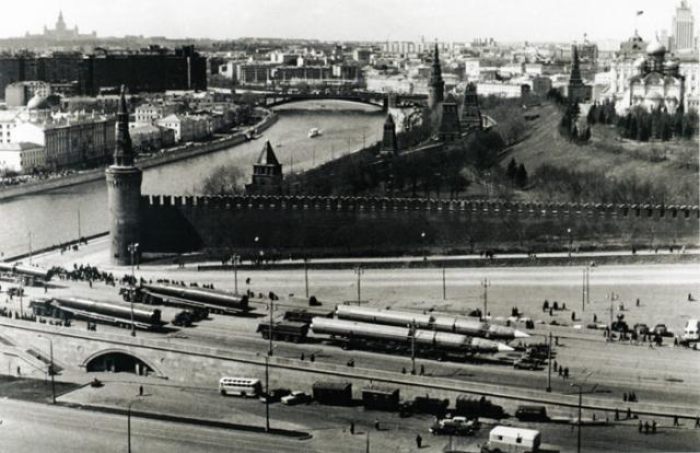 В начале 1960-х годов в СССР неожиданно возросло число преступлений на национальной почве. Только по данным КГБ в 1963 году в СССР было совершено 130 таких преступлений.