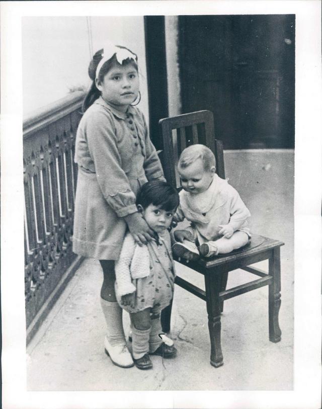 Мальчик воспитывался, считая Лину своей сестрой, до десяти лет, пока не узнал правду.