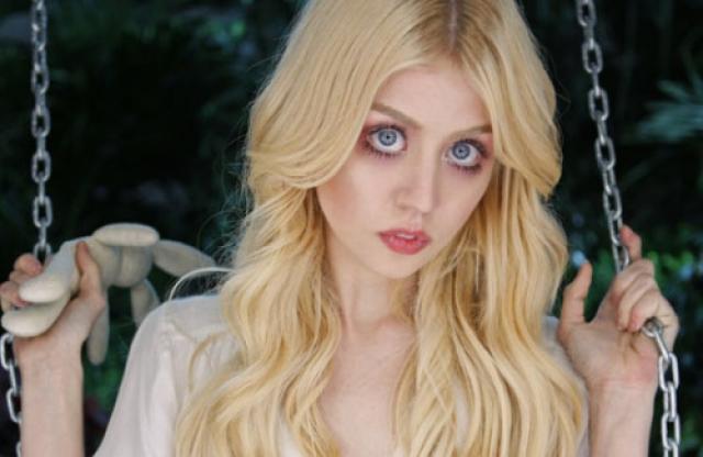 """Эллисон Харвард. Девушка начала карьеру с шоу """"Топ-модель по-американски"""", ведь на ее внешность сложно не обратить внимание."""