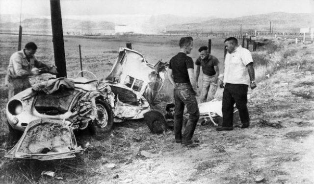 """Дин ехал по дороге """"U.S. Route 466"""" недалеко от города Чолам в штате Калифорния. Черно-белый """"Ford Custom Tudor"""" 1950 года с 23-летним студентом Калифорнийского Политехнического университета Дональдом Торнпсидом за рулем двигался навстречу."""