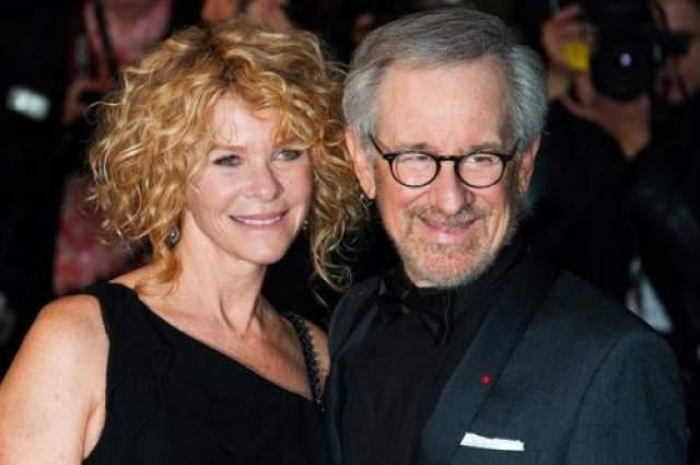 Стивен Спилберг с супругой в 2013 году.